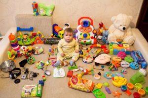11 лучших развивающих игрушек до года