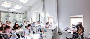 9 лучших школ маникюра и педикюра в Москве