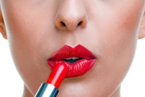 Как выбрать помаду для губ: делаем губы привлекательными