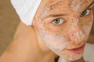 16 лучших отшелушивающих масок для лица