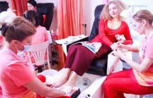 8 лучших салонов маникюра в Екатеринбурге