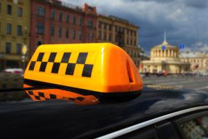 7 лучших служб такси в Москве