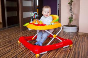 10 лучших ходунков для ребёнка