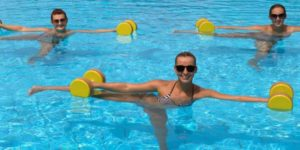 Сравниваем фитнес и аквааэробику    Что поможет лучше для похудения