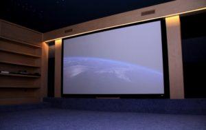 5 лучших экранов для проектора