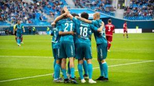 10 самых популярных футбольных клубов России
