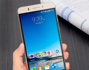 10 лучших смартфонов на 6 дюймов