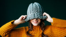 Как стирать вязаную шапку: тонкости, инструкция, полезные советы